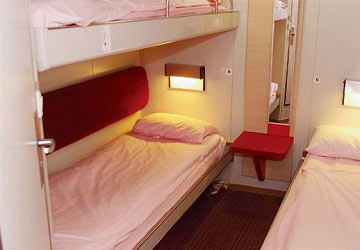 brittany_ferries_bretagne_inside_4_bed_cabin
